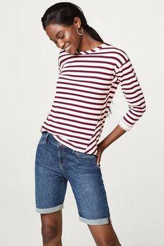 ESPRIT Jeans-Shorts aus Stretch-Denim für 39,99€. Jeans-Shorts aus Stretch-Denim, Ein colles Basic für variantenreiche bei OTTO