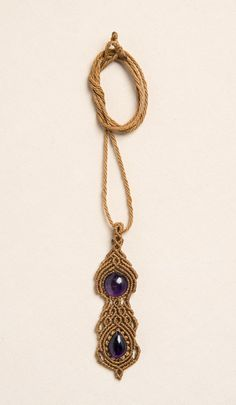 Macrame necklace with Amatist natural stone by Amonithe on Etsy.