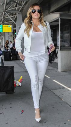 6 Tips on How to Wear All-White Everything. http://www.thefashionspot.com/style-trends/411579-how-to-wear-all-white-everything/