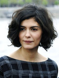 Bob Hairstyles from audrey tautou bob haircut Images Of Bob Hairstyles, Cute Hairstyles For Short Hair, Short Hairstyles For Women, Trendy Hairstyles, Audrey Tautou, Medium Hair Styles, Curly Hair Styles, French Hair, French Bob