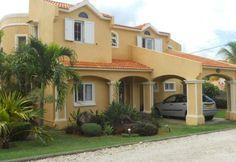 Vente villa F5 meublé avec piscine commune à Rivière_Noire ile Maurice