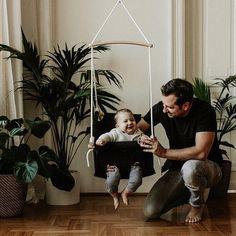 Apa - fia pillanatok 🖤 #adamo #babyhammock #family #qualitytime