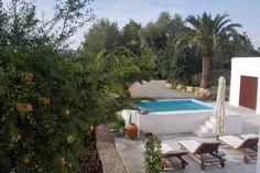 Bekijk deze fantastische advertentie op Airbnb: Moderna tradicional casa ibicenca - Huizen te Huur in Ibiza