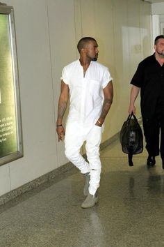 la modella mafia Kanye West menswear chic street style - monochromatic white