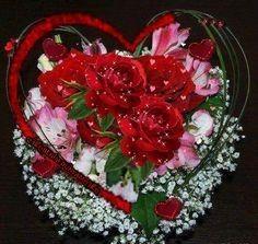 See the PicMix Benim PicMix belonging to on PicMix. Beautiful Heart Images, Beautiful Rose Flowers, Beautiful Gif, Love Images, Love Pictures, Love Flowers, Beautiful Hearts, Beau Gif, Wallpapers Tumblr
