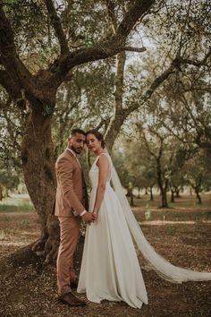 Beautiful Veil and hair style of Nina 👰 groom suit / Original Photoshoot for the wedding of Mohamed and Nina💖 Nature made their wedding unique ✨ #wedding #magic #nina&mohamed #naturewedding #orientalwedding #weddinplanner#fun#veil #brideveil #bridetobe#colorsinature#photobooth#puglia#thisispuglia #love