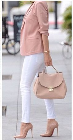 Obsessed this casual office work outfit for women for spring looks trendy and chic. the blush blazer paired with the white pants looks perfect. Mode Outfits, Fashion Outfits, Womens Fashion, Fashion Fashion, Trendy Fashion, Fashion Shoes, Work Casual, Casual Chic, Casual Office