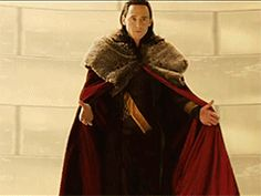Tom Hiddleston arrives in Sydney to film Thor: Ragnarok- Excited!