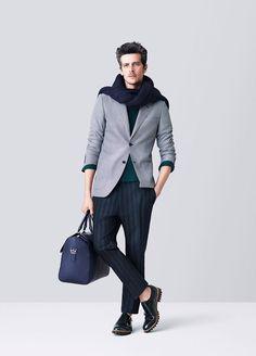 Bally y apuesta por su elegancia, colores oscuros y líneas limpias.