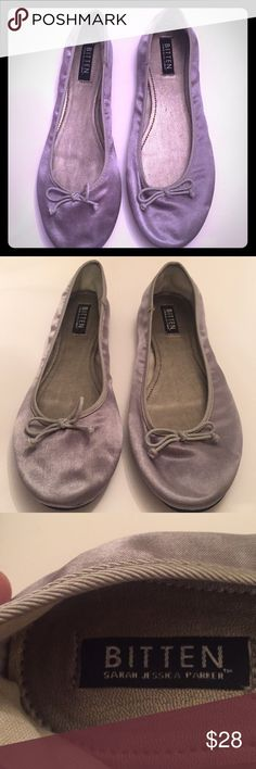 Fabric Gray Slipper Bitten Sarah Jessica Parker, slippers , gray fabric color, good condition, size 10, nice color. Bitten Shoes Slippers