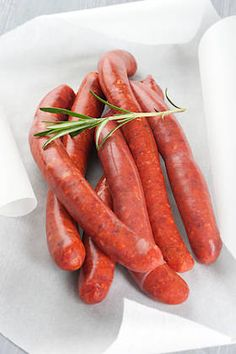 Recipe: How to make homemade merguez? Meatball Recipes, Sausage Recipes, Pork Recipes, Cooking Recipes, Charcuterie, Merguez Sausage Recipe, Homemade Bbq Sauce Recipe, Tunisian Food, Smoking Meat
