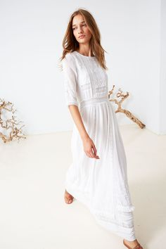 Ulla Johnson continues to master boho-chicness Modest Fashion, Love Fashion, Fashion Dresses, Womens Fashion, Hippy Chic, Ulla Johnson, Johnson 2016, Spring Summer Fashion, Spring 2016