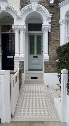 Ideen rund ums Haus grey and white victorian mosaic tile path How To Choose A Curio Cabinet Curio ca Victorian Front Garden, Victorian Front Doors, Porch Victorian Terrace, Victorian Townhouse, Victorian House, Victorian Mosaic Tile, Victorian Bathroom, Victorian Hallway Tiles, Front Path