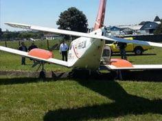 Um avião saiu da pista no aeroporto do Bacacheri, em Curitiba, no final da manhã desta segunda-feira (26Set16) _ Foto: Rede News 24hs
