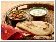 """""""Celíaca pero contenta"""" ha descubierto recientemente nuestro delicioso pan indio y le gusta... ¡hasta solo! #singluten Pan Indio, Pan Sin Gluten, Naan, Empanadas, Relleno, Ethnic Recipes, Food, World, Bread Recipes"""
