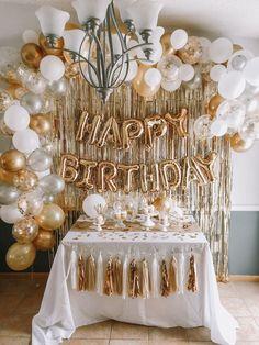 15th Birthday Party Ideas, Golden Birthday Parties, Birthday Balloon Decorations, Gold Birthday Party, Birthday Balloons, 10th Birthday, Golden Birthday Themes, Gold Party Decorations, 18th Birthday Decor
