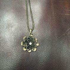 Flower Necklace . Jewelry Necklaces