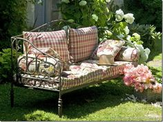 Hottest Pic french Garden Furniture Popular Buying the initial outdoor furniture is nearly as exciting as buying a house using a garden. Outdoor Rooms, Outdoor Sofa, Outdoor Living, Outdoor Decor, Outdoor Benches, Metal Garden Furniture, Outdoor Furniture, Metal Garden Benches, Fairy Furniture