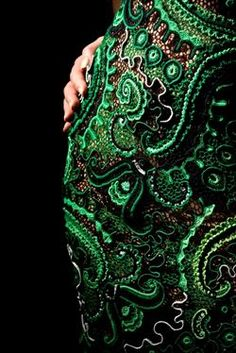 """Платье """"Эсмеральда"""" - Ася Вертен. Irish crochet. Irská krajka. Модели в технике ирландского кружева. Пряжа зеленых оттенков черного и бежового.Yarn shades of green, black and beige.Handmade. Dress. Бурдон. Гусеничка. Irish Crochet bourdon."""