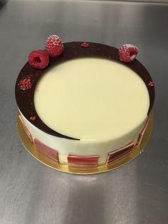 #entremet #weddingcake #birthdaycake #nlc #normanloveconfections #mirandaprince #whitechocolateraspberry