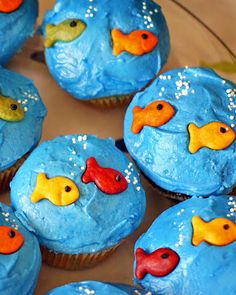 Goldfish Cupcakes for fishing birthday party Splash Party, Water Birthday, Fish Birthday Cakes, Joint Birthday Parties, Pool Party Birthday, 4th Birthday, Bubble Guppies Birthday, Bubble Guppies Cupcakes, Luau Party