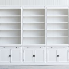Bookcase in solid wood / mdf structure, finish in white paint RAL 9010 White Bookshelves, Bookcase, White Paints, Glass Door, Solid Wood, It Is Finished, Painting, Home Decor, Decoration Home