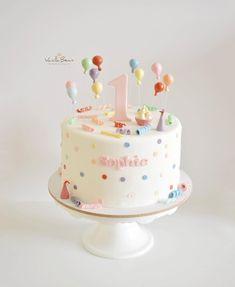 Sophies Geburtstag – Sophie 's birthday – – cakeideas 1 Year Old Birthday Cake, 1st Birthday Cake For Girls, Twin Birthday Cakes, Elegant Birthday Cakes, Pretty Birthday Cakes, Cookie Cake Birthday, Homemade Birthday Cakes, Birthday Cake Decorating, Pink Birthday