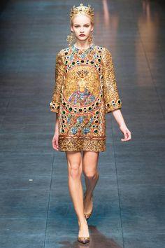 Dolce & Gabbana MFW13/14  Mosaicos bizantinos y venecianos.   Love it!