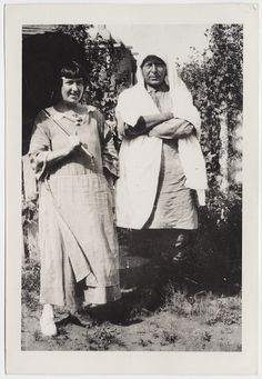 [Photograph of Mabel Dodge and Tony Luhan] recto