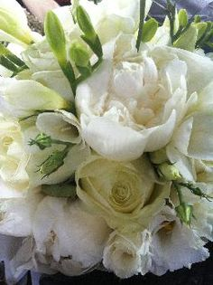 Mrs Bouquet Wedding flowers Hampshire | Gallery Bouquets