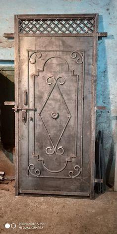 Steel door w/ design Wooden Front Door Design, Front Gate Design, House Gate Design, Door Gate Design, Railing Design, Gate Designs Modern, Steel Gate Design, Grill Door Design, Wrought Iron Doors