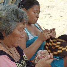 Colombia: GGP artisan partner, Creata, at work!
