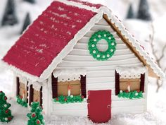 This Vermont Holiday Gingerbread Farmhouse is so cute.
