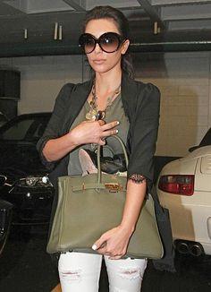 Kim Kardashian - Kim Kardashian Leaving A Nail Salon