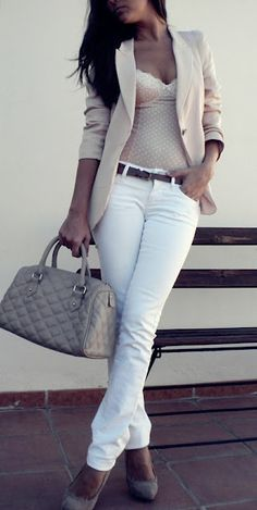 Wondering how to transistion your whites into fall? Take a cue from this stylish gal and pair yours with a great little blazer, pumps and a big leather bag.
