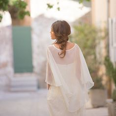 Hey, I found this really awesome Etsy listing at https://www.etsy.com/listing/203578441/bridal-cape-100-silk-made-in-france