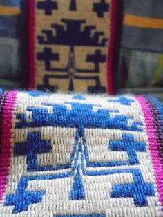 Tapiz Inkle Weaving, Inkle Loom, Tablet Weaving, Textiles, Needlepoint Stitches, Wool, Embroidery, Blanket, Band