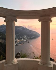 Capri, Italy Capri, Italy,Paysage (voyage) ✨SUPREMECURLZ✨✨ Related posts:Traveling or want travel inspo? - Beautiful Places You Should Visit in Italy - TravelThe Sanctuary. The Places Youll Go, Places To Go, Beautiful World, Beautiful Places, Beautiful Pictures, Places To Travel, Travel Destinations, Travel Aesthetic, Adventure Is Out There