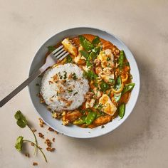 A quick and easy Fragrant Thai Red Chicken Curry recipe, from our authentic Thai cuisine collection. Find brilliant recipe ideas and cooking tips at Gousto Duck Recipes, Chicken Recipes, Thai Red Chicken Curry, Chicken Breast Fillet, Curry Dishes, Quick Meals, Healthy Dinners, Cooking Instructions, Curry Recipes