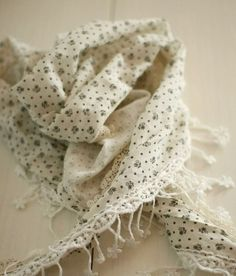 Cream vintage print scarf