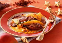 Le foie gras poêlé aux manguesOn marie souvent le foie gras avec la figue, mais saviez-vous que la mangue était aussi un parfait compagnon de ce mets festif.  Lire la recette du foie gras poêlé aux mangues