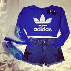 WHERE DO U FIND THESE SHIRT AND SWEATERS.!!!!!!!!  Sweater: blue cute cute s adidas sporty comfy swag sexy s crop tops shoes Shorts Outfits For Teens, Twin Outfits, Crop Top Outfits, Sporty Outfits, Dope Outfits, Sporty Style, Summer Outfits, Crop Tops For Tweens, Girls Crop Tops