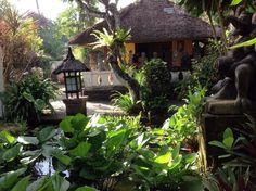 Made Wijaya Villa Bebek Tropical Garden DesignTropical