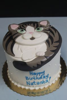 https://flic.kr/p/eACjST | Playful Kitty Cake ★ More on #cats - Get Ozzi Cat Magazine here >> http://OzziCat.com.au ★