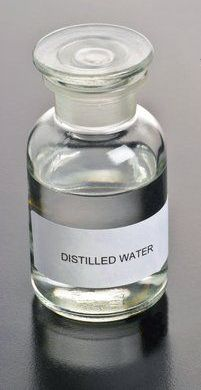 What is the distilled water? The pure, distilled water is missing a lot of components. Compared to conventional water, for example, with river water, the distillate water is missing a whole range of dissolved salts and gases. Distilled Water, Protein Shakes, Salts, Smoothies, Beverages, Perfume Bottles, Range, River, Pure Products