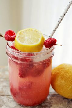 smashed raspberry lemonade - proof a good thing can be made great with a dash of Raspberry! Yum!