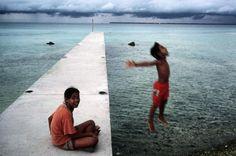 """Tokelau, 2003 Alex Webb"""