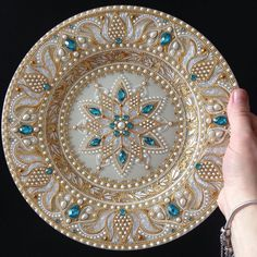 Best 12 / bejeweled decorative plate / – Page 399835273152192837 – SkillOfKing. Mandala Art, Mandala Painting, Dot Art Painting, Stone Painting, Thali Decoration Ideas, Painted Rocks, Hand Painted, Point Paint, Diy And Crafts