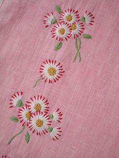 EMBROIDERED FLOWERS. | Gelicaso | Bloglovin' Hand Embroidery Videos, Floral Embroidery Patterns, Embroidery Stitches Tutorial, Embroidery Flowers Pattern, Embroidery On Clothes, Hand Work Embroidery, Flower Embroidery Designs, Creative Embroidery, Hand Embroidery Stitches