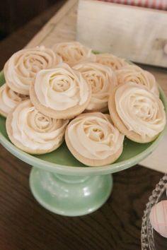 Classic white rose s